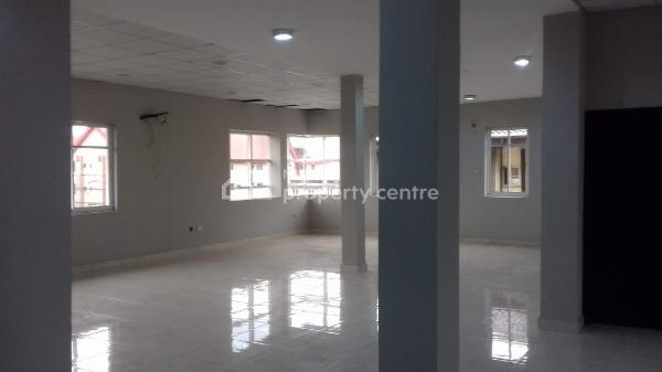 Open Plan Office Space of 210 Square Meters, Off Muritala Muhammed Way, Yaba, Lagos, Office Space for Rent