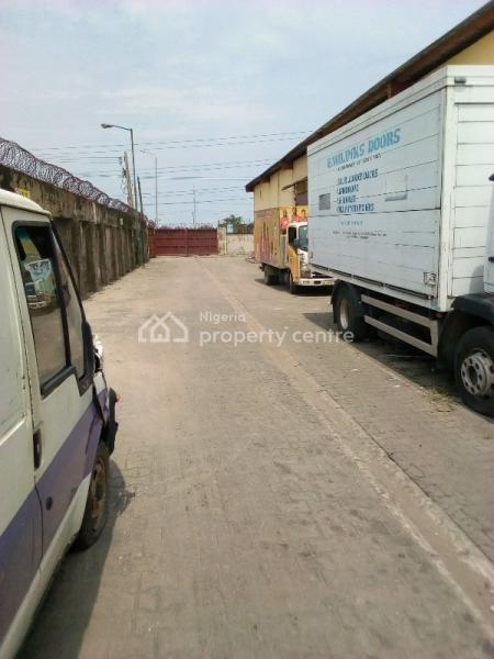 Warehouse Measuring 1059sqm and 1460sqm, Ilaje, Ajah, Lagos, Warehouse for Rent