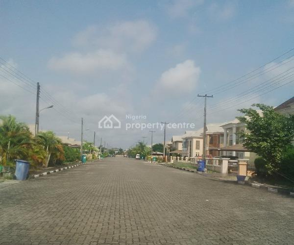 For Sale: 4 Bedrooms Fully Detached Duplex , Northern