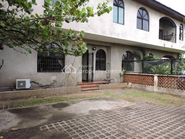 Well Built 3 Bedroom Apartment, Off Admiralty Way, Lekki Phase 1, Lekki, Lagos, Flat for Rent