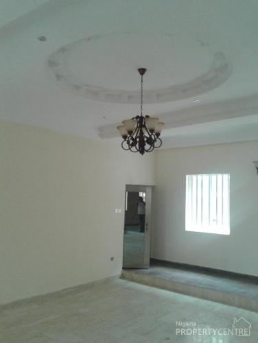For Sale 5 Bedroom Detached House With Boys Quarters Oba