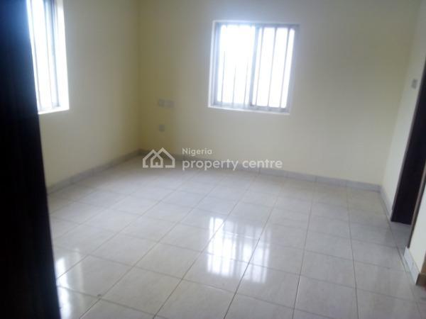 3 Bedroom Flat, Alagomeji, Yaba, Lagos, Flat for Rent