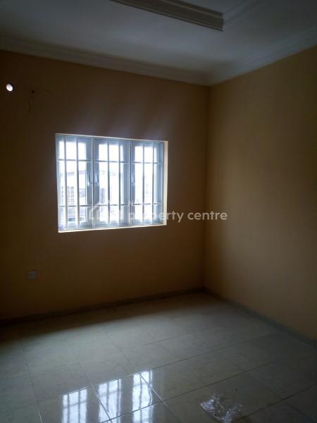 2 Bed Room Flat, By Igbobi Road, Jibowu, Yaba, Lagos, Flat for Rent