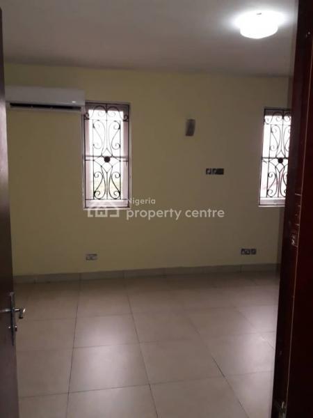 Luxury 3 Bedroom Apartment with Bq, Yaba Gra, Saint Agnes, Yaba, Lagos, Flat for Rent