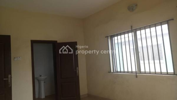 Spacious 3 Bedroom Flat (upstairs), Off Commercial Avenue, Sabo, Yaba, Lagos, Flat for Rent
