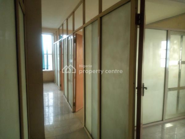 100 Square Meters Open Plan Office Space, Adekunle, Yaba, Lagos, Office Space for Rent
