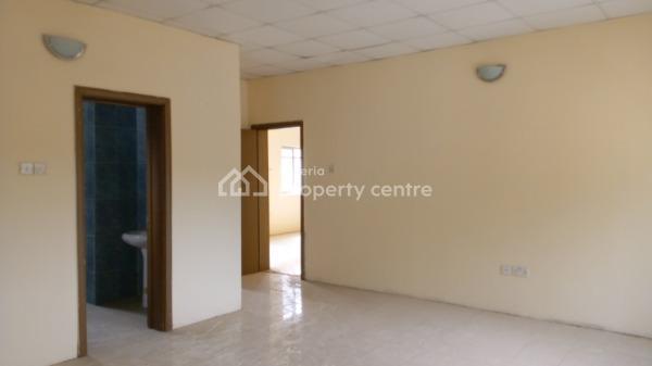 4 Bedroom Standalone Duplex in a Very Secured Gated Estate, Chevron, Lekki Phase 2, Lekki, Lagos, Detached Duplex for Rent