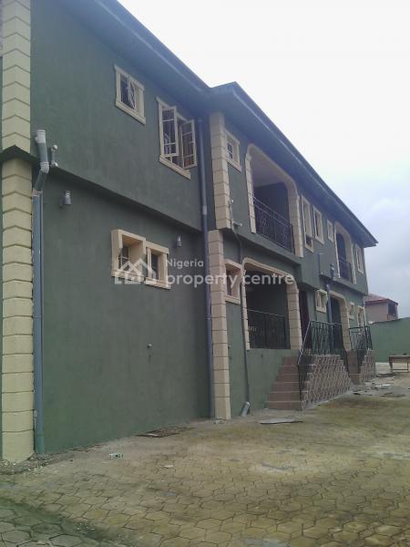 Very Cheap and Spacious 3 Bedroom Flat, Very Close to Ikorodu Brt Bus Terminal, Ikorodu, Lagos, Flat for Rent
