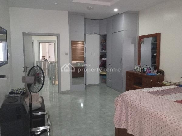 Lovely and Well Maintained 3 Bedroom Serviced Terraced Duplex with a Room Bq,fitted Kitchen,swimming Pool,etc., Spring Bay Estate, Ikate Elegushi, Lekki, Lagos, Terraced Duplex for Rent