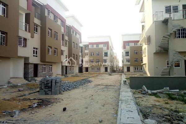 Exquisite 4-bed Maisonettes, Lekki (with Perfect Title), Igbokusu, Lekki Phase 1, Lekki, Lagos, Terraced Duplex for Sale