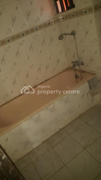 Self Contained Room, 4th Avenue, Gwarinpa Estate, Gwarinpa, Abuja, Self Contained (single Rooms) for Rent