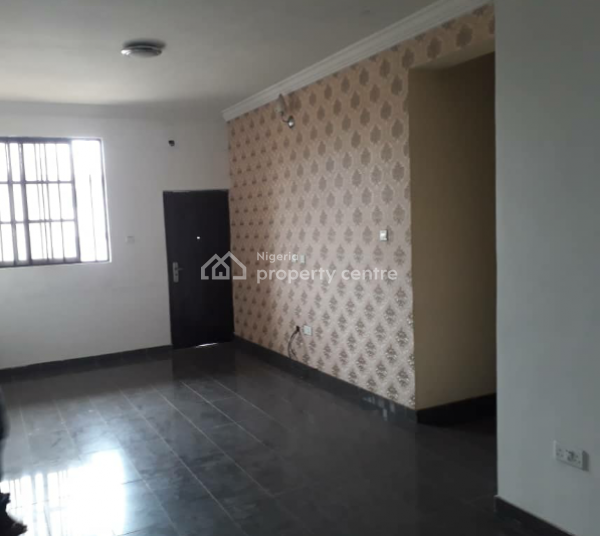 a Lovely and Spacious 3 Bedroom Flat Ensuite, Off Herbert Macaulay Way, Ebute Metta East, Yaba, Lagos, Flat for Rent