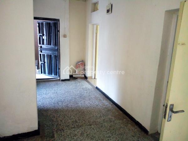 a Lovely Luxury 2br Flat @ Onike By Unilag Yaba Lagos., Yaba, Lagos, Flat for Rent