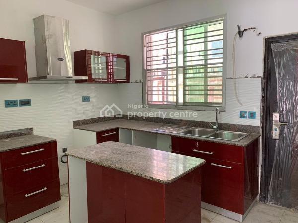 2 Bedroom Maisonette, Lekki Phase 2, Lekki, Lagos, House for Sale