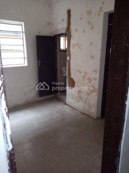 a Clean and Spacious Mini Flat, Alagomeji, Yaba, Lagos, Mini Flat for Rent