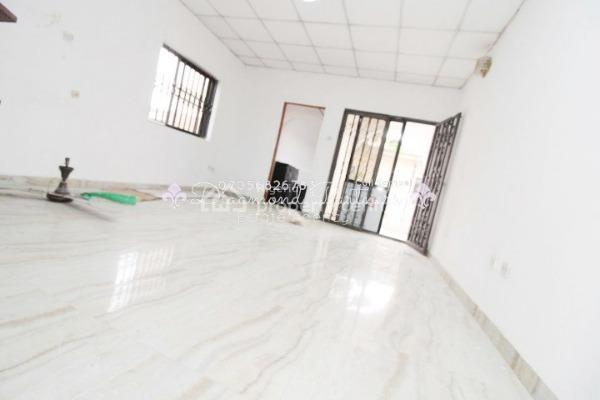 Self Contained Executive  Serviced + Balcony, Off Admiralty, Lekki Phase 1, Lekki, Lagos, Self Contained (single Rooms) for Rent