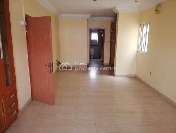 a Well Maintained 4-bedroom Terrace Duplex and a Room Servant Quarters, Lekki Phase 1, Lekki, Lagos, Terraced Duplex for Rent