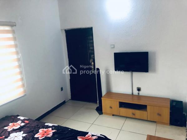 a Well Furnished 2 Bedroom, By North West Filling Station, Vgc, Lekki, Lagos, Flat Short Let