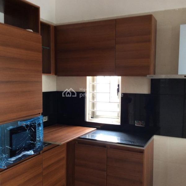 For Rent: 3 Bedroom Terraced Duplex For Rent , Jakande