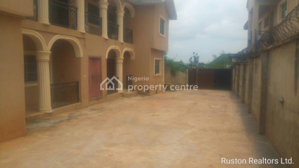 Luxury 4 Flats, Ologuneru Area, Ibadan, Oyo, Block of Flats for Sale