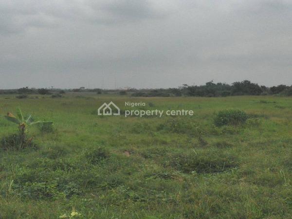 Land   4,600sqm, Fenced and Gated, Lekki Phase 1, Lekki, Lagos, Mixed-use Land for Rent