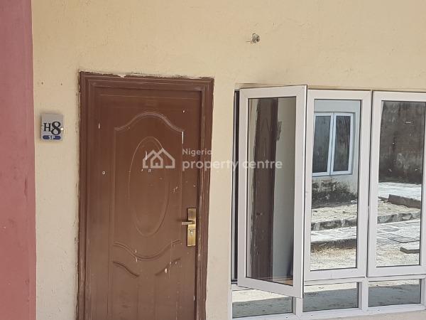 Three Bedrooms Terrace Bungalow, Orchid Hotel Road, Lafiaji, Lekki, Lagos, Terraced Bungalow for Sale