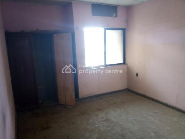 Neat 2 Bedroom Flat and 3 Bedroom Flat for 1.5m, No. 5 Cototou Crescent, Zone 6, Wuse, Abuja, Flat for Rent