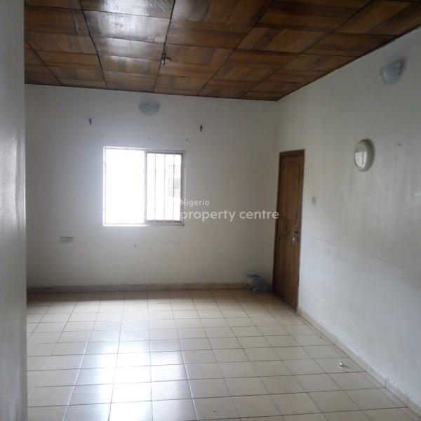 a Sizable and Affordable 2 Bedroom Apartment, By Christ Apostolic Church,near Area 1 Round About, Durumi, Abuja, Flat for Rent