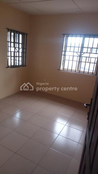 Decent 3 Bedroom Flat, Egbeda, Alimosho, Lagos, Flat for Rent