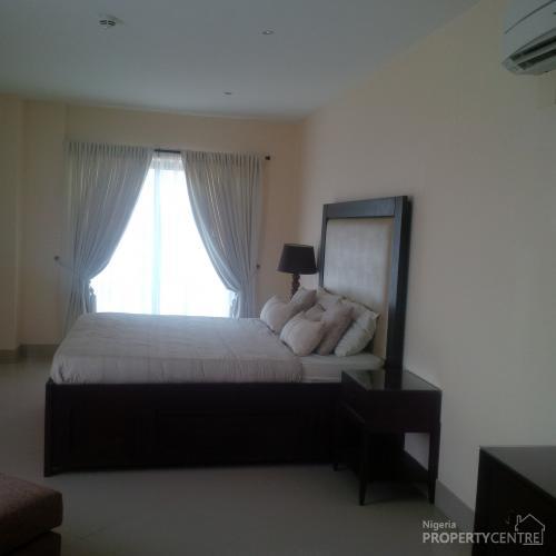 4 Bedroom Apts For Rent: For Rent: Luxury 3 Bedroom Apartments, Kofo Abayomi Street