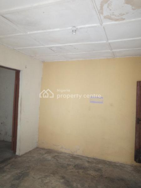 Super and Decent Mini Flat, Off Luth Road, Challenge, Mushin, Lagos, Mini Flat for Rent