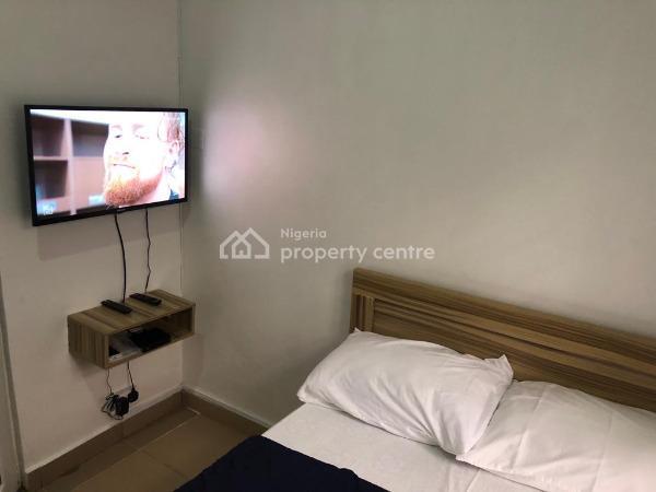 1 Bedroom Studio En-suite with 24 Hours Power, Off Ligali Ayorinde / Adeniyi Coker, Victoria Island (vi), Lagos, Self Contained (single Rooms) Short Let