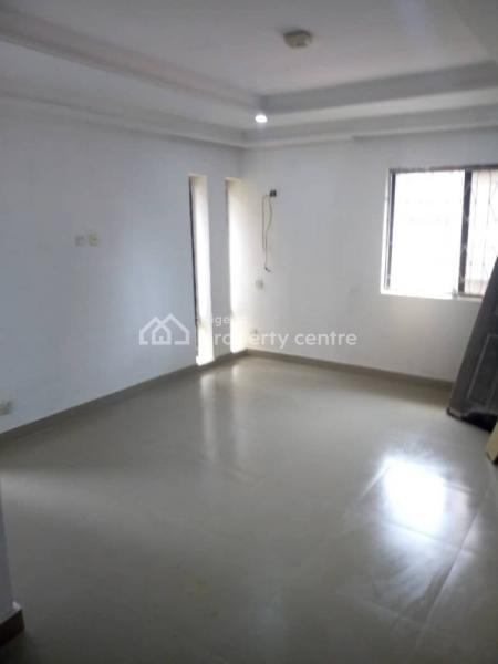 Service Room Self Contained, Off Ligali Ayorinde Street, Victoria Island (vi), Lagos, Self Contained (single Rooms) for Rent