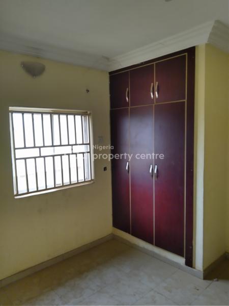 3 Bedroom Apartment 2 Sitting Rooms, Close to Area 1 Garki Roundabout, Durumi, Abuja, Flat for Rent