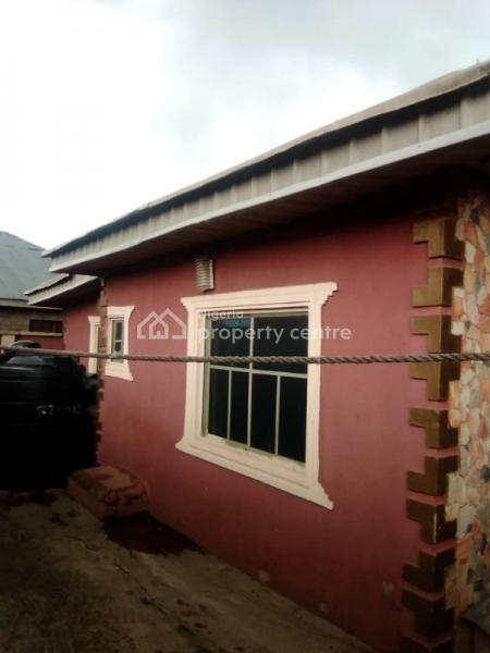 3 Bedroom Bungalow at Apata Area Ibadan, Olupoyi Apata, After After Bembo Junction Apata Ibadan, Apata, Ibadan, Oyo, Detached Bungalow for Sale