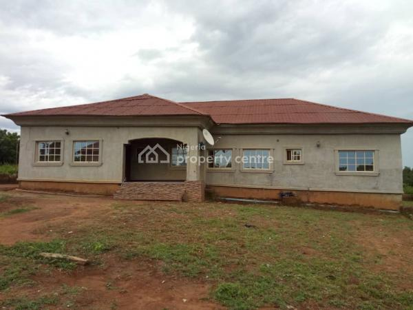 Beautifully Constructed 4 Bedroom Bungalow with Excellent Interior and External Finishing, Off Iremide Street/community, Behind Alao Farm By Ralat Pure Water Tanke Akaata, Ilorin South, Kwara, Terraced Bungalow for Sale
