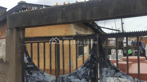 2 Bedroom Bungalow, Adeyemi Street Off Olumegbon Street, Ogunlana, Surulere, Lagos, Terraced Bungalow for Sale