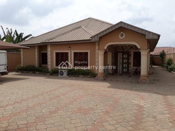 Nicely Built 4 Bedrooms Bungalow, Elebu, Oluyole Extention., Ibadan, Oyo, Detached Bungalow for Sale