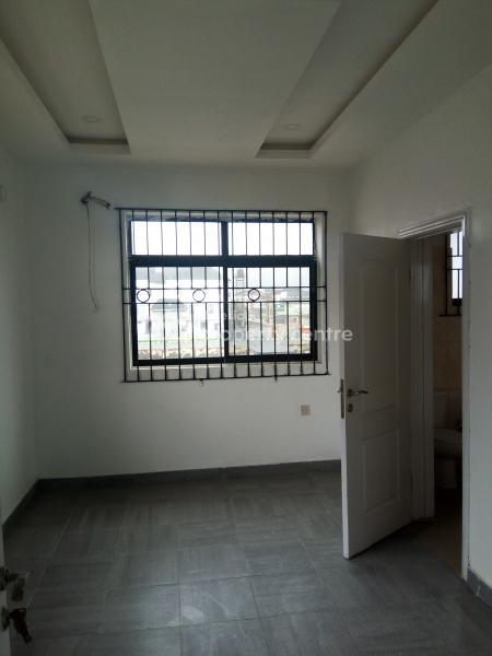 a Tastefully Finished 2 Bedrooms Flat, Second Round About, Lekki Phase 1, Lekki, Lagos, Flat for Rent