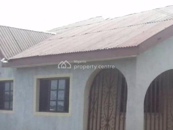 a Bungalow of 4 Bedroom All Ensulte, Cac Bus Stop, Gberigbe, Ikorodu, Lagos, Terraced Bungalow for Sale