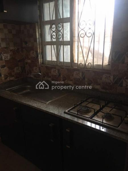 Lovely 2 Bedroom Flat, Akoka, Yaba, Lagos, Flat for Rent