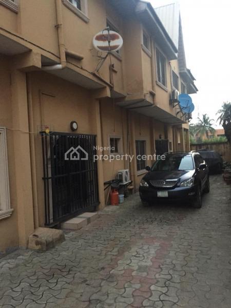 Luxury Block of Flat of 3 Bedroom, Bode Thomas, Surulere, Lagos, Block of Flats for Sale
