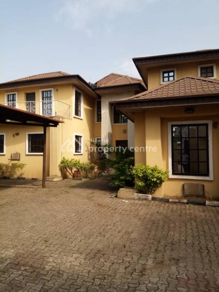 Nice, 5-bed Duplex, Old Family House