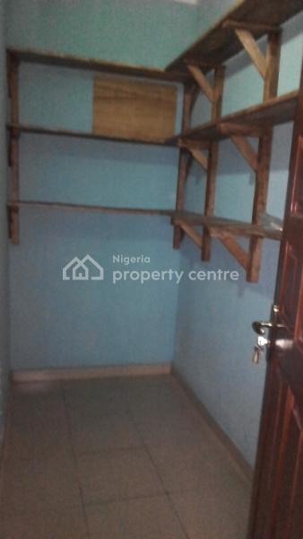 a Luxurious 3 Bedroom Flat, Off Tabade Pharmacy, Off Fola Agoro, Akoka, Yaba, Lagos, Flat for Rent