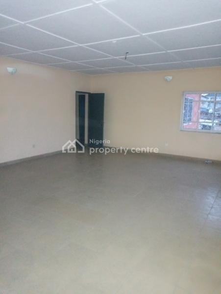 Very Spacious Renovated 3 Bedroom Flat, Off Iwaya Road, Onike, Yaba, Lagos, Flat for Rent