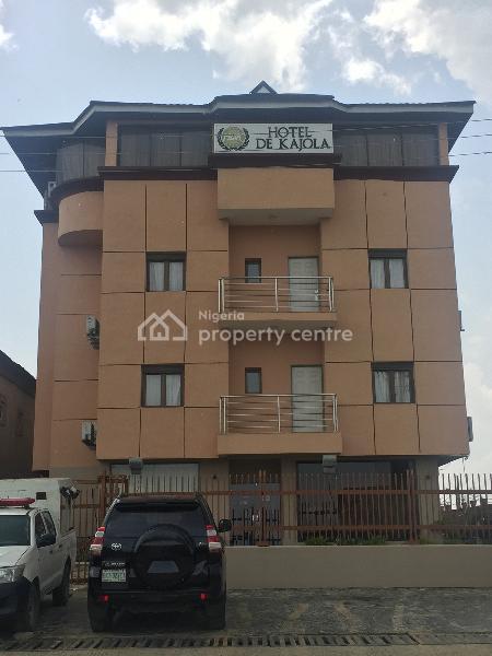 Luxury Boutique Hotel, Block 24, Plot 8 Bola Ahmed Tinubu Road 10 Family Oshanmi Estate Along Lekki Epe Express Way Opp. Abraham Adesanya Junction, Ajah, Ibeju Lekki, Lagos, Hotel / Guest House for Rent
