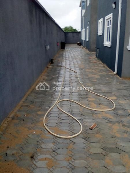 2 Bedrooms Flat Up Floor, in a Secured Estate Shortly After Novare Mall, Ajah, Lagos, Flat for Rent