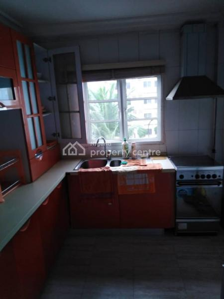 3 Bedroom Duplex with Bq, Grace Court Makoko, Adekunle, Yaba, Lagos, Terraced Duplex for Sale