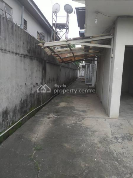 a 2 Units 5 Bedrooms Duplex Each on 750sqm at Eric Moore, Eric Moore, Surulere, Lagos, House for Sale