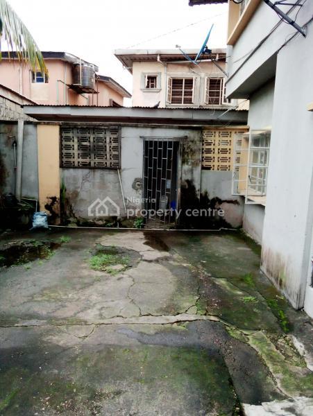 House, Slightly Off Adelabu Street, Adelabu, Surulere, Lagos, Block of Flats for Sale